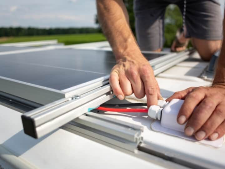 Your Guide To Mounting A Solar Panel Under A Roof Rack