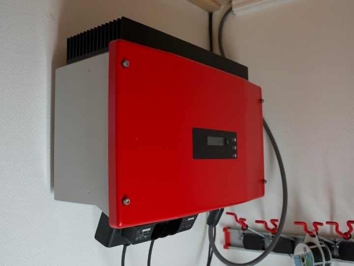 Reduce Solar Panel Voltage: Volts & Calculations