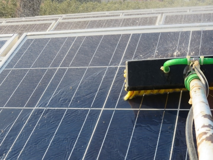 Can You Use Glass Cleaners on Solar Panel?