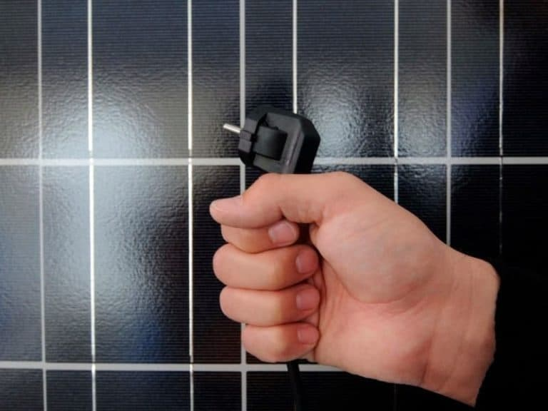 Solar Panel Plug